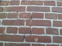 002_Detail_van_te_renoveren_muur.jpg