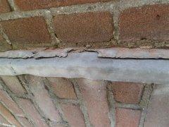 003_Detail_van_te_renoveren_muur.jpg